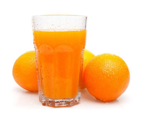 Jus de fruits frais pour un petit-déjeuner vitaminé